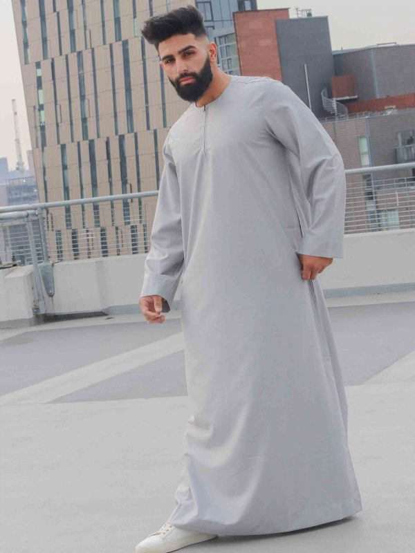 Grey collarless Thawb side