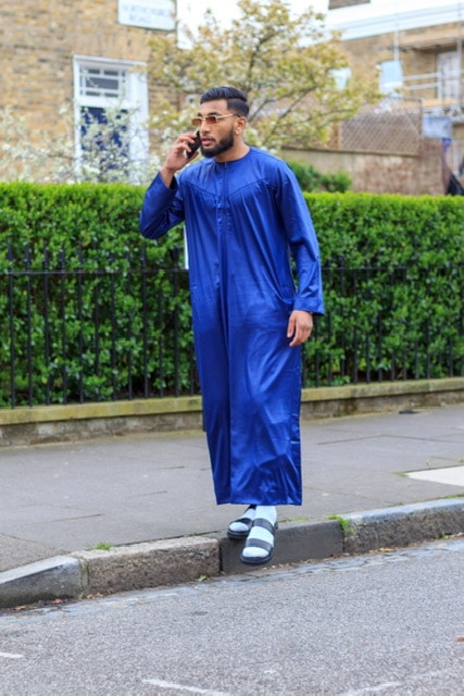 Instagram influencer wearing Navy blue thawb thobe